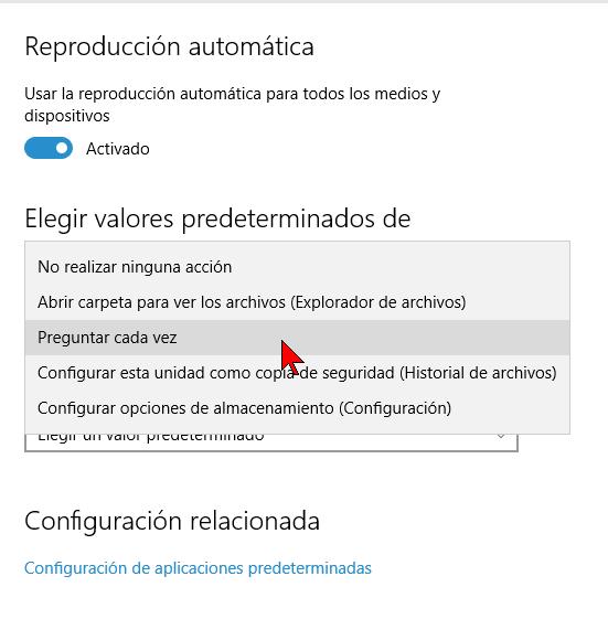 Menú desplegable para la Unidad extraíble en cómo habilitar o deshabilitar la reproducción automática en Windows 10
