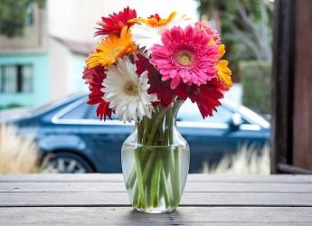 Cómo enviar flores con la floristería FTD