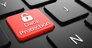 tastiera con tasto rosso protezione dati