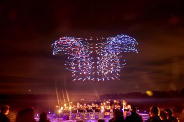 Intel-Drone-100-Light-Show-Orchestra2-1024x683