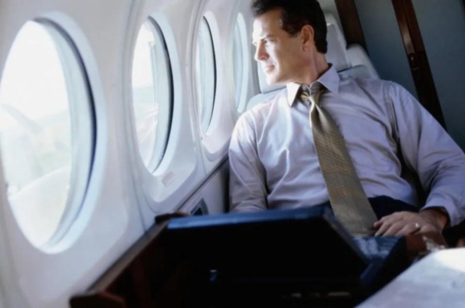 wi-fi en avión vía satélitei