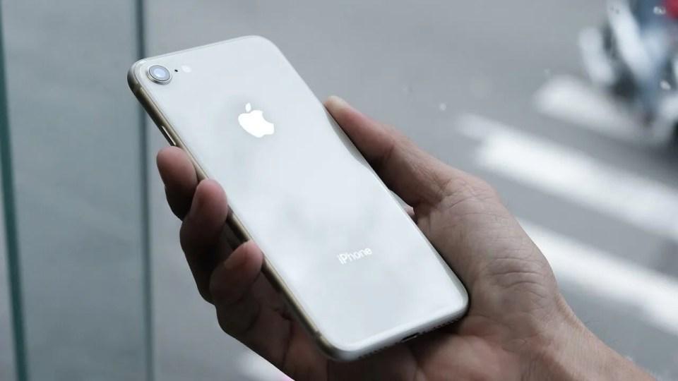 características y opiniones iphone se 2020