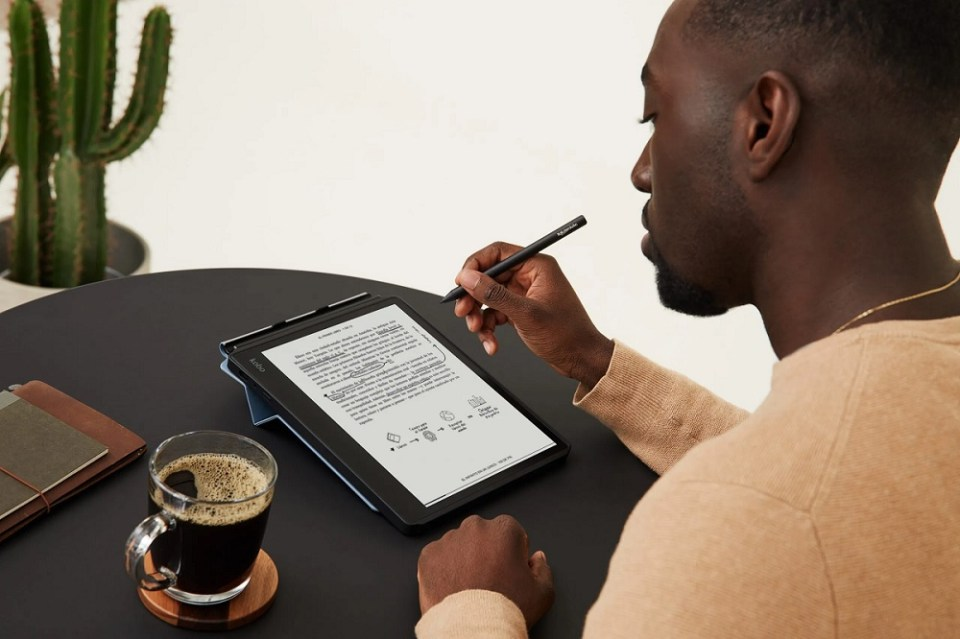 Con Kobo Elipsa puedes escribir directamente en el libro, gracias a un stylus