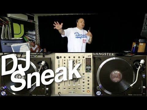DJ Sneak pinchando con los Pioneer PLX-1000 vinilos de los 90s