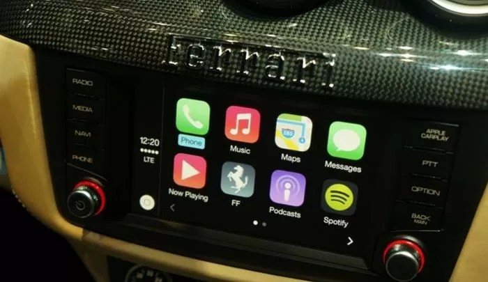 CarPlay Ferrari
