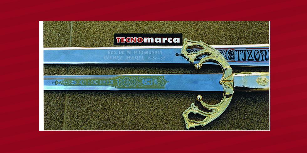 espada grabada con diamante