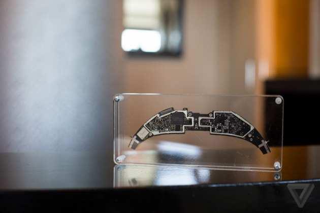 Hololens hololens desmontado: conheça o óculos de realidade aumentada por dentro Hololens desmontado: Conheça o óculos de realidade aumentada por dentro hololensteardown 1