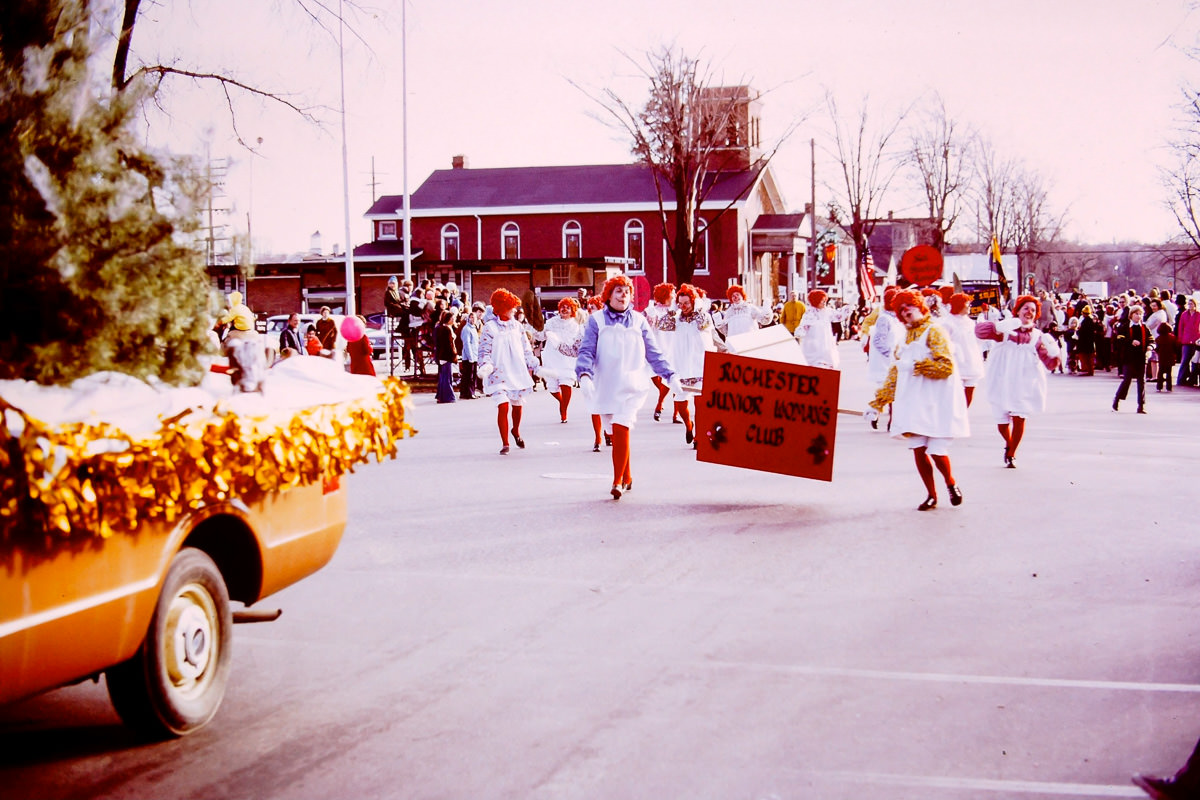 1973: Jan dressed as Raggedy Ann in the Junior Women's group (she's just left of, and behind, the sign)