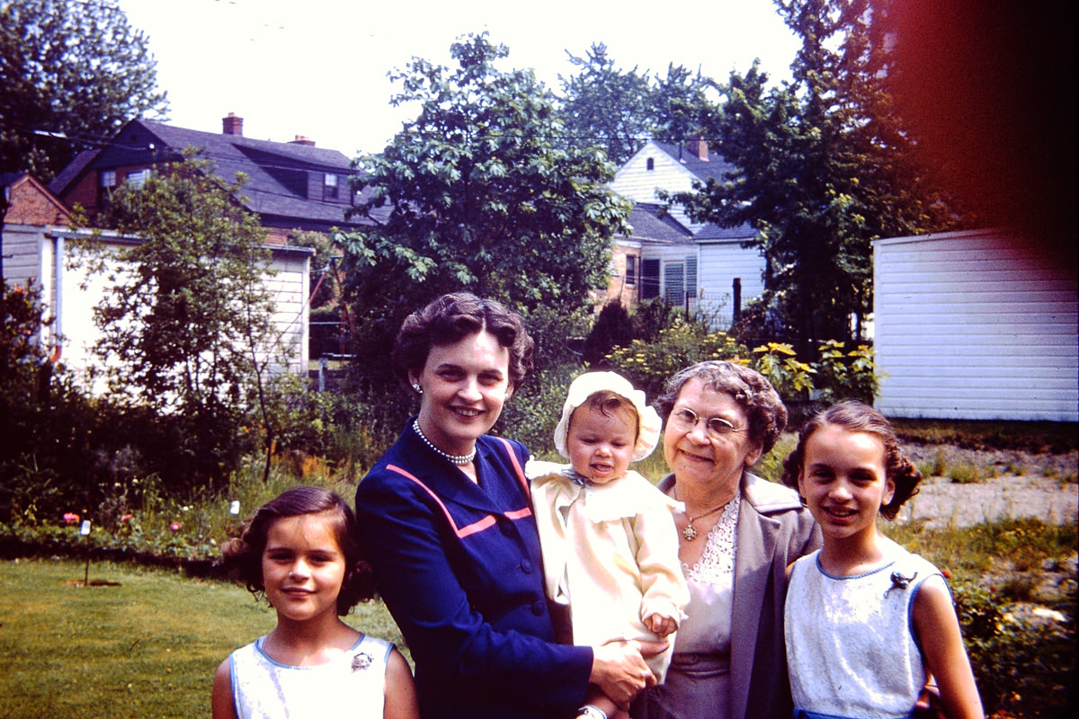 Mary Lou, Joan, Susie, Gramma Matilo (George's Mother), Jan