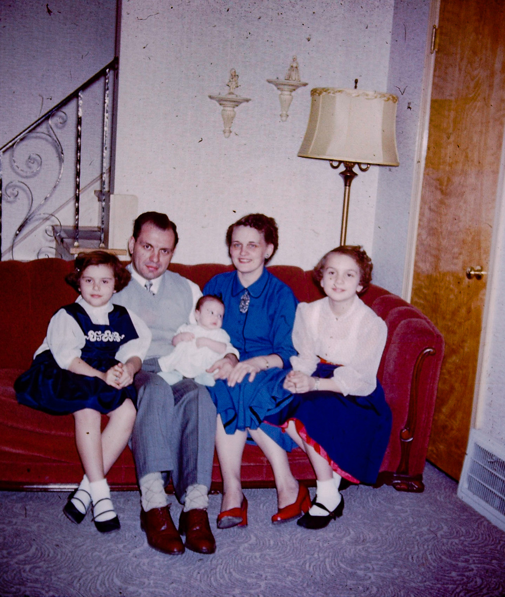 Sep 1952: Mary Lou, George, Susie, Joan, Jan