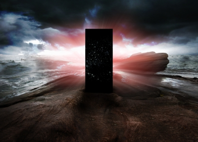 Black_Monolith_on_Rocks