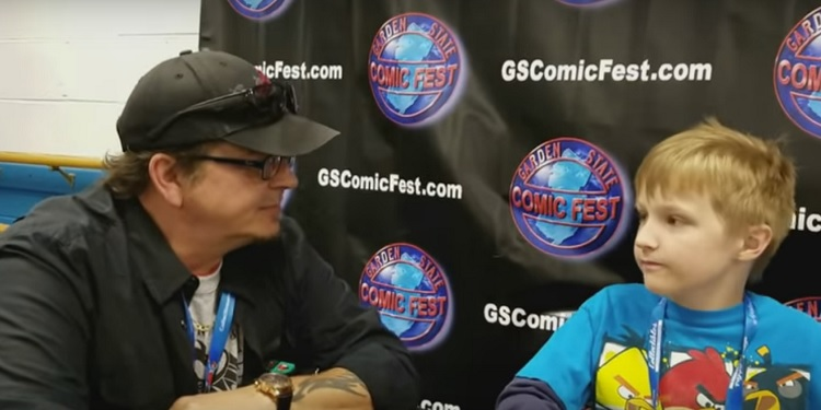Kevin Eastman sits down with young Carl for a discussion about TMNT comics. Image Source: Carl's Comix.