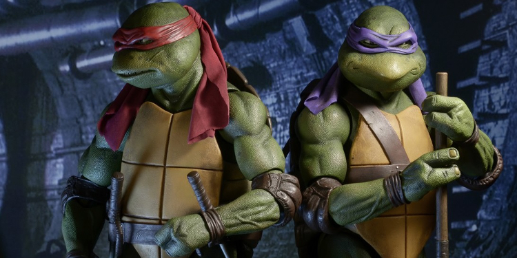 Neca S Teenage Mutant Ninja Turtles 1990 Raphael Figure Revealed