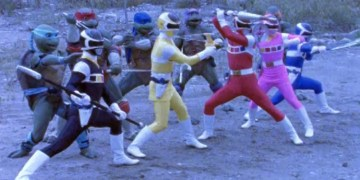 """Although the turtles won't be joining forces with the rangers in this movie, it would appear that the director got some inspiration from our heroes in a half shell. Image Source: Saban, """"Power Rangers in Space"""""""
