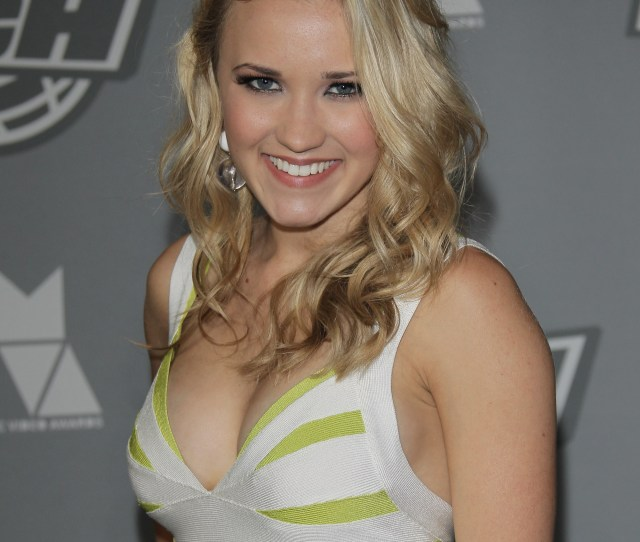 General Photo Of Emily Osment