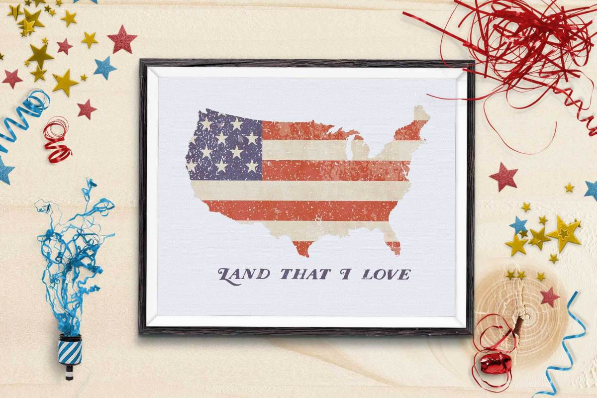This free 4th of July printable is great for celebrating the Independence Day and Memorial Day! It's a great way to decorate for the 4th of July and it makes a great gift! Get it today at www.TeepeeGirl.com!