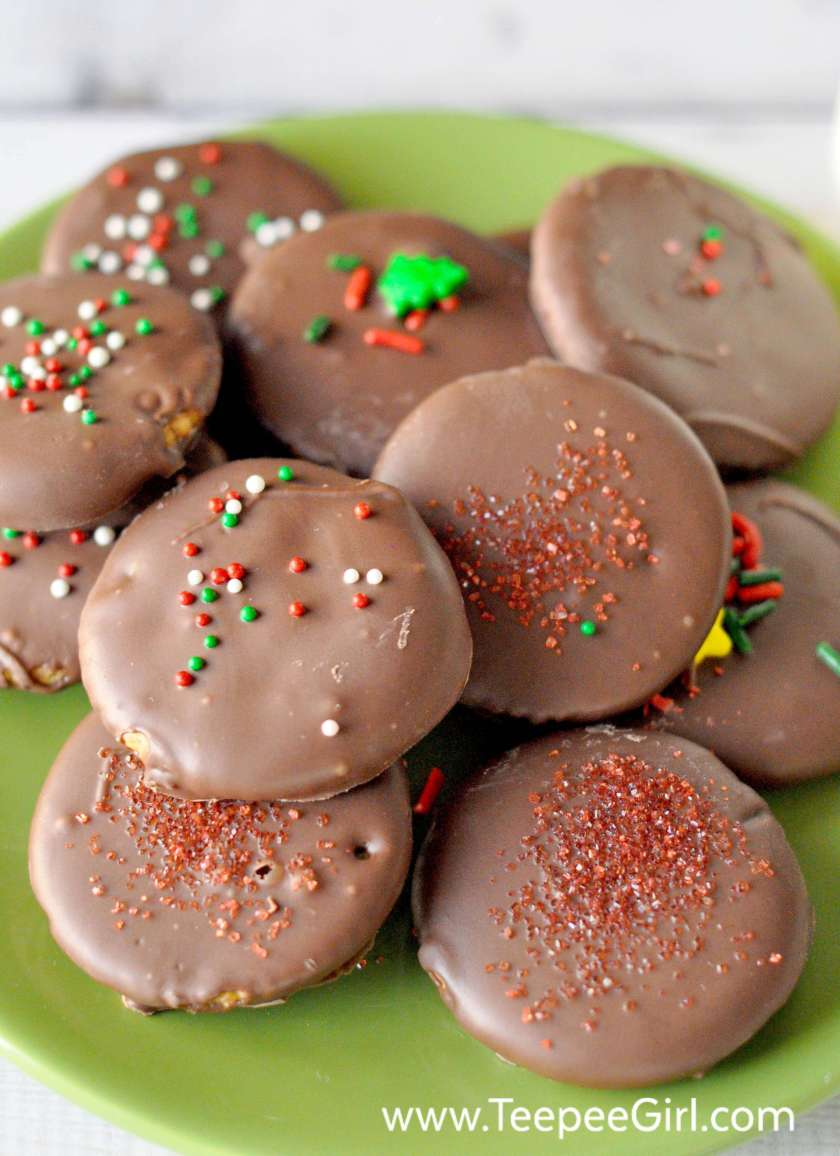 These 3-Ingredient Chocolate Mint Cookies are the perfect holiday treat! They are super easy and quick, and everyone loves them. The combination of chocolate and mint, plus sweet with a little salty, makes these cookies crowd pleasers! Get the recipe today at www.TeepeeGirl.com.