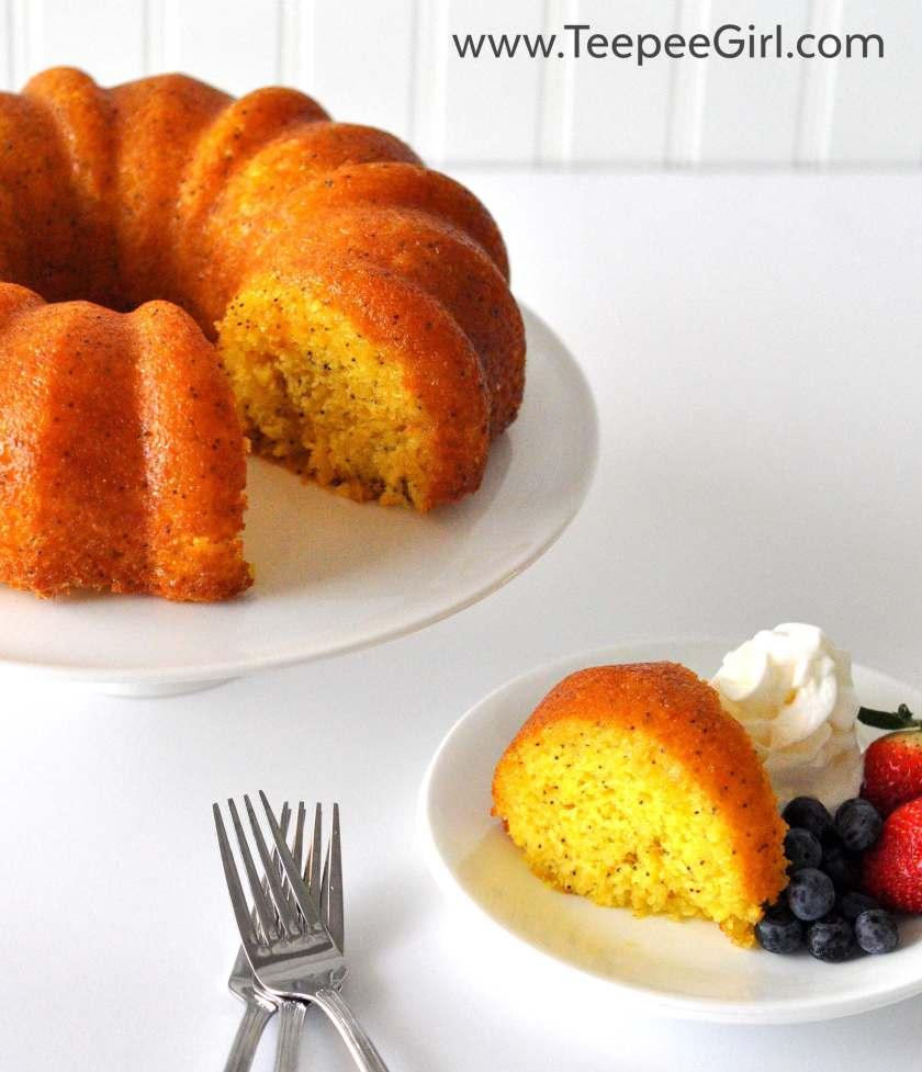 Poppy Seed Bundt Cake {Easy!}