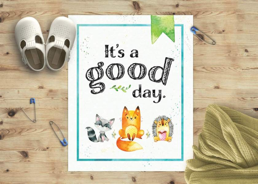This free printable poster is perfect for nurseries & gifts! The woodland creatures are so darling, and perfectly match my Woodland Baby Shower Printable Kit. Get this freebie at www.TeepeeGirl.com.
