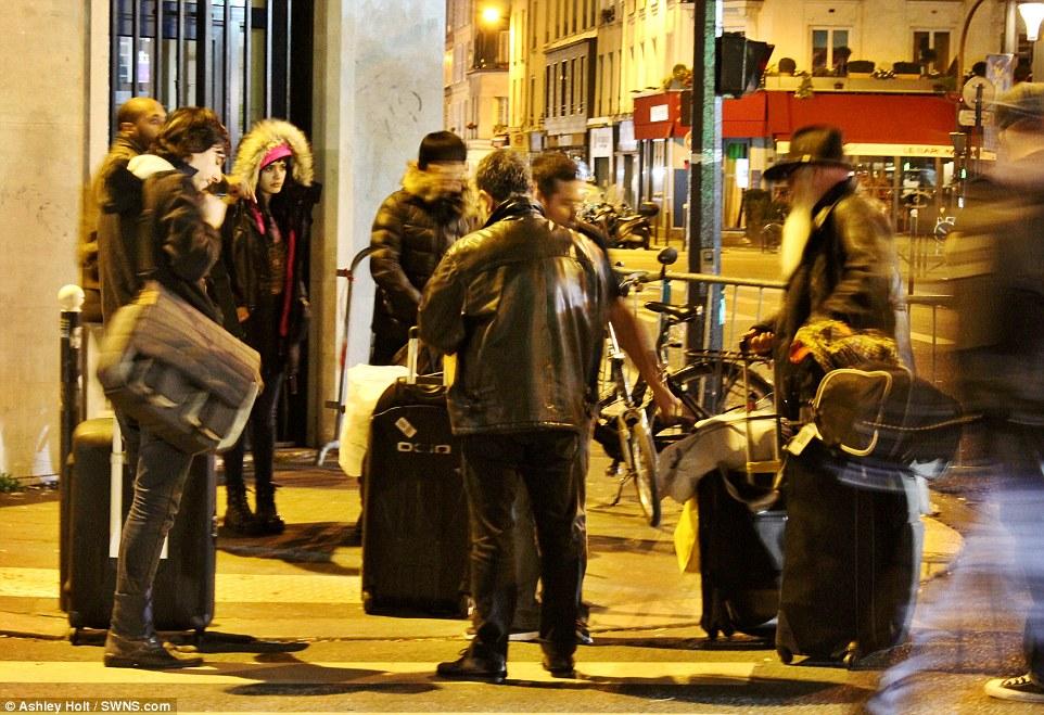 巴黎恐攻倖存者逃出來時表情極度驚恐。你看到這張首次發表的「案發劇院內的照片」就會明白為什麼了...