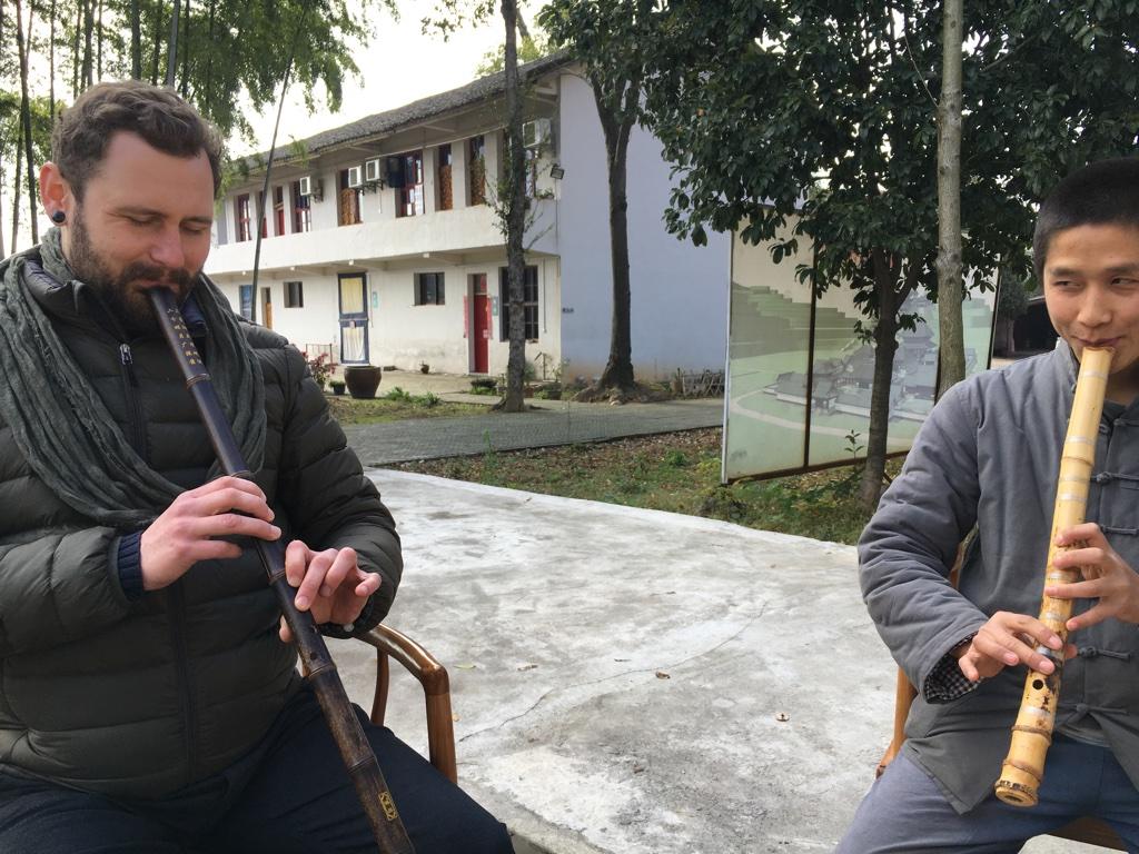 Flötenkonzert im Yaoshan Tempel - Hunan - China