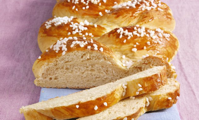 Osterzopf mit Hagelzucker Rezept  tegut