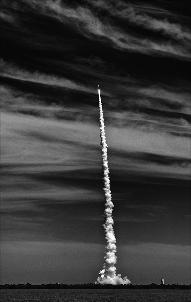 rocket2_bw