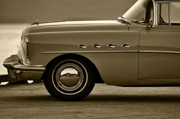 Buick Roadmaster in golden hour_620