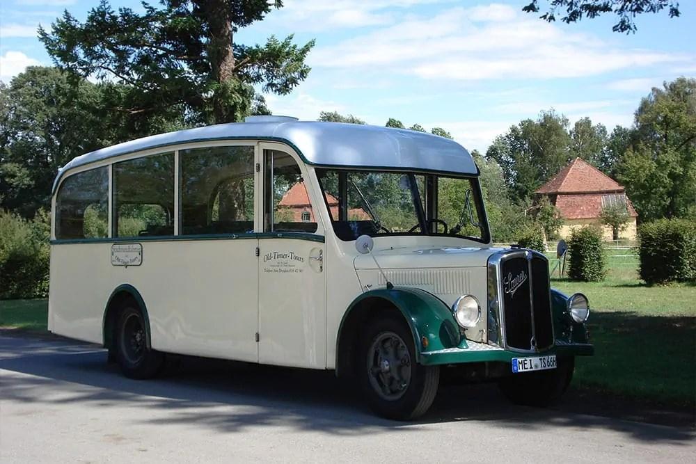 Gestatten:,, Dor Whisky-Schleicher '' Bus Tour