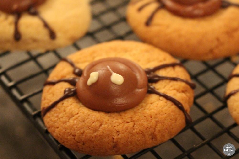 Snicker Doodle Spider Cookies