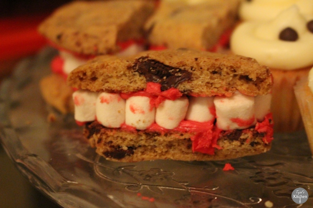 Halloween Teeth Cookies