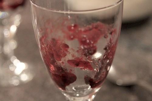 Pavlova Berry Sundae