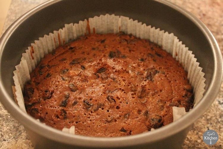 Cherry Brandy Christmas Cake