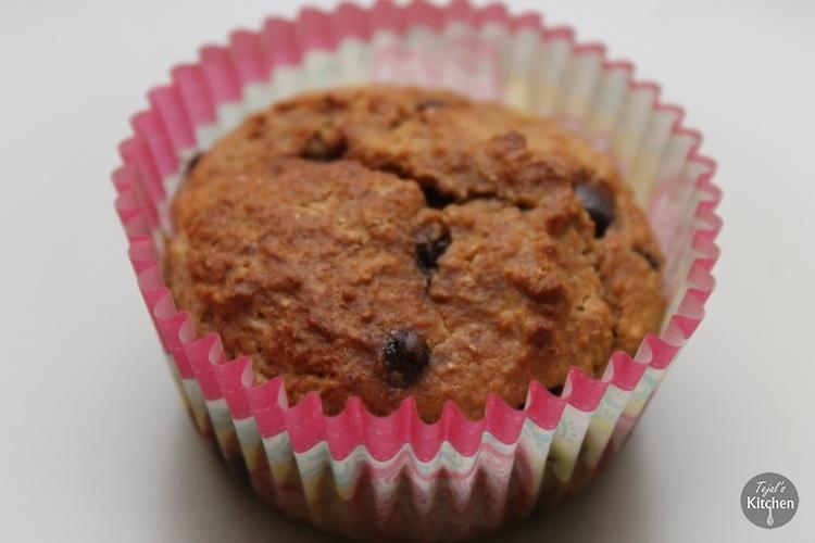 Skinny Choc Raisin Muffins
