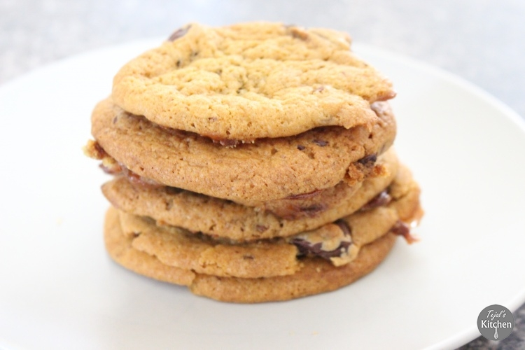 Rolo Cookies Eggless