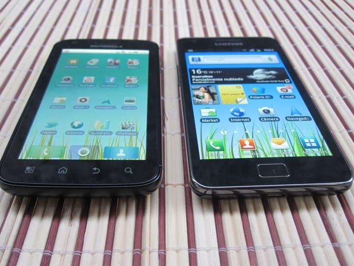 tela_atrix_vs_iPhone