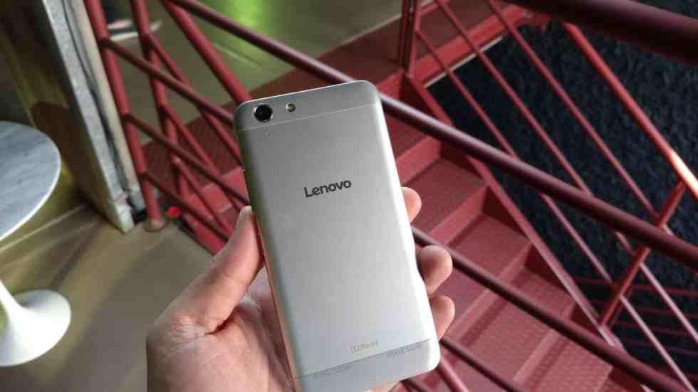 Lenovo K5 traseira