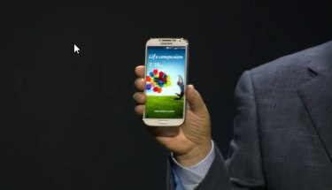 Samsung updates Galaxy S4 firmware, Apps to SD, HDR Video