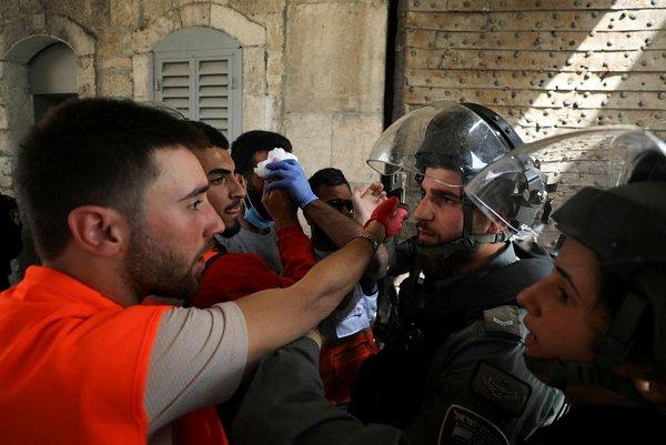 Mescid-i Aksa'ya İsrail Polisi Yeniden Saldırı düzenledi 2021