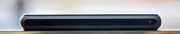 Sony Xperia Z1 - abajo