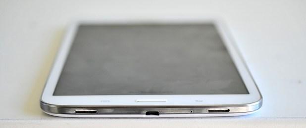 Samsung Galaxy Tab 3 8.0 - abajo