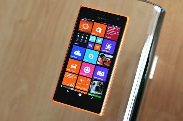 Nokia Lumia 735 - 11