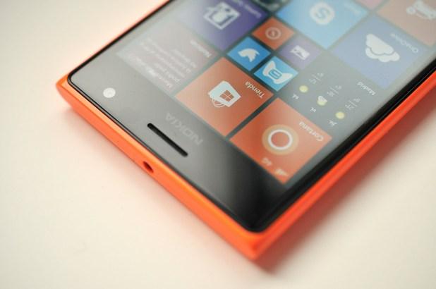 Nokia Lumia 735 - 22