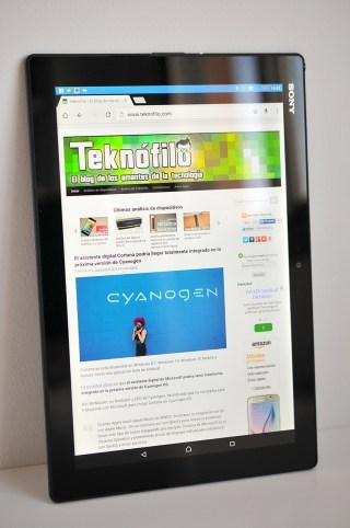 Sony Xperia Z4 Tablet - 2