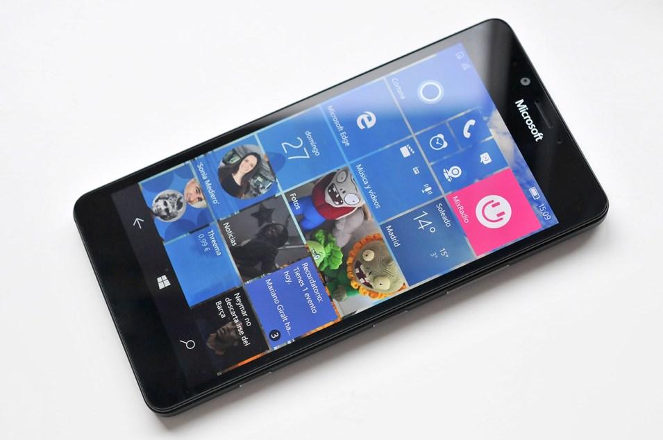 Microsoft Lumia 950 - 2