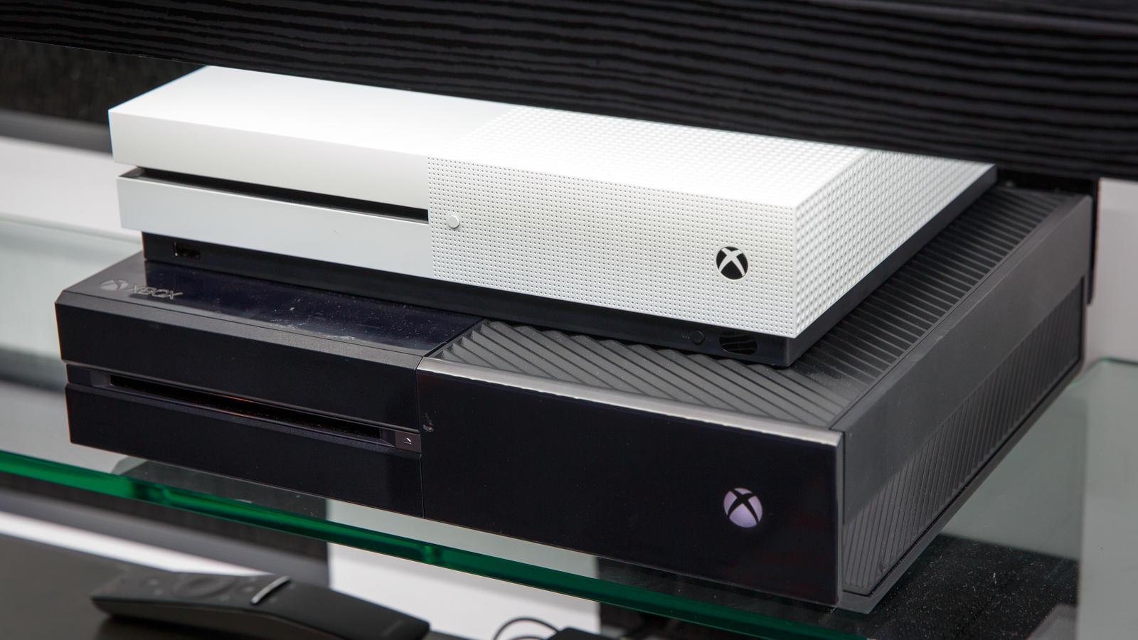Amazon sconta la Xbox One S 1TB con quattro giochi in bundle