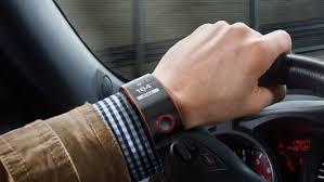Nissan'dan arabaya uygun akıllı kol saati