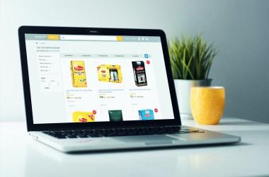 E Ticaret ile çayın şekerin fiyatına bile internetten bakıyoruz