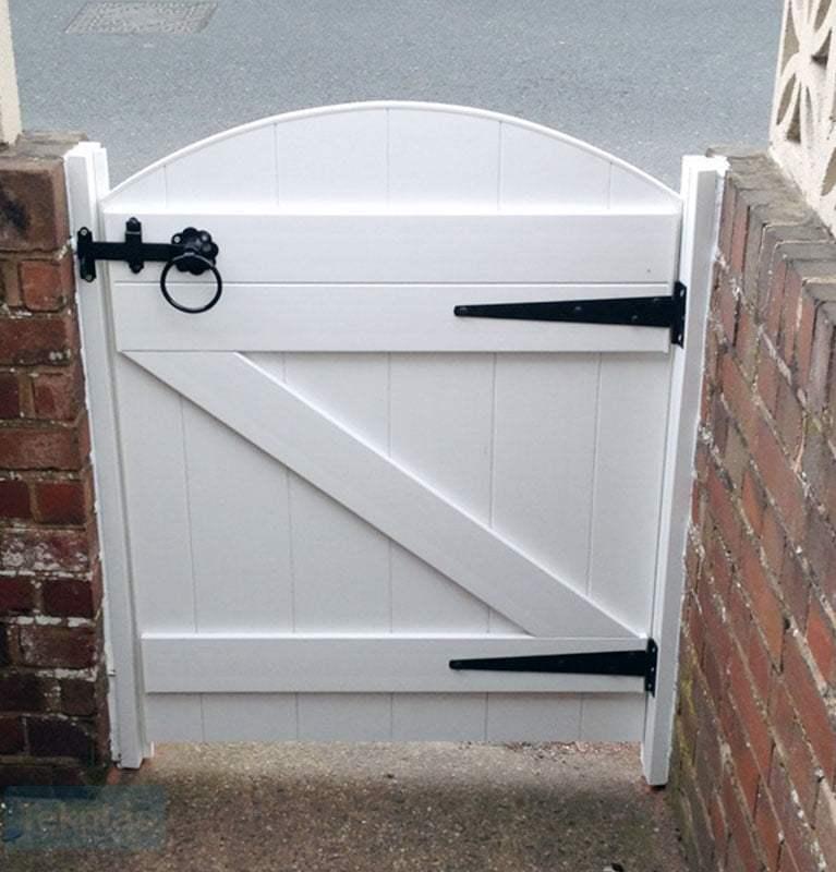 Small plastic entrance gate