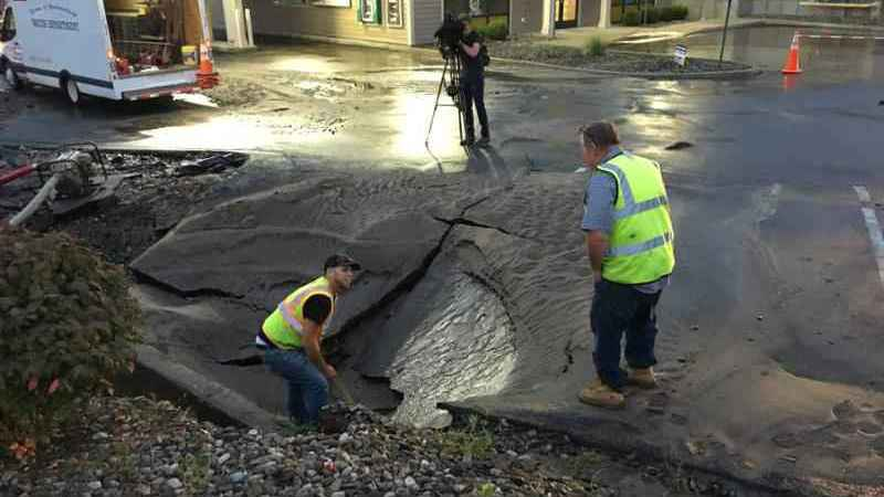 Each day, 850 water main breaks occur in north america. Water Main Liberal Dictionary